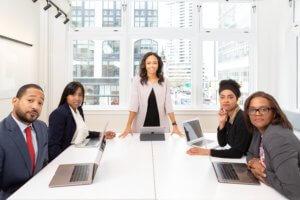 Businessmeeting im Beruflichen Kontext, Firmenkurse beim HLS Education Center