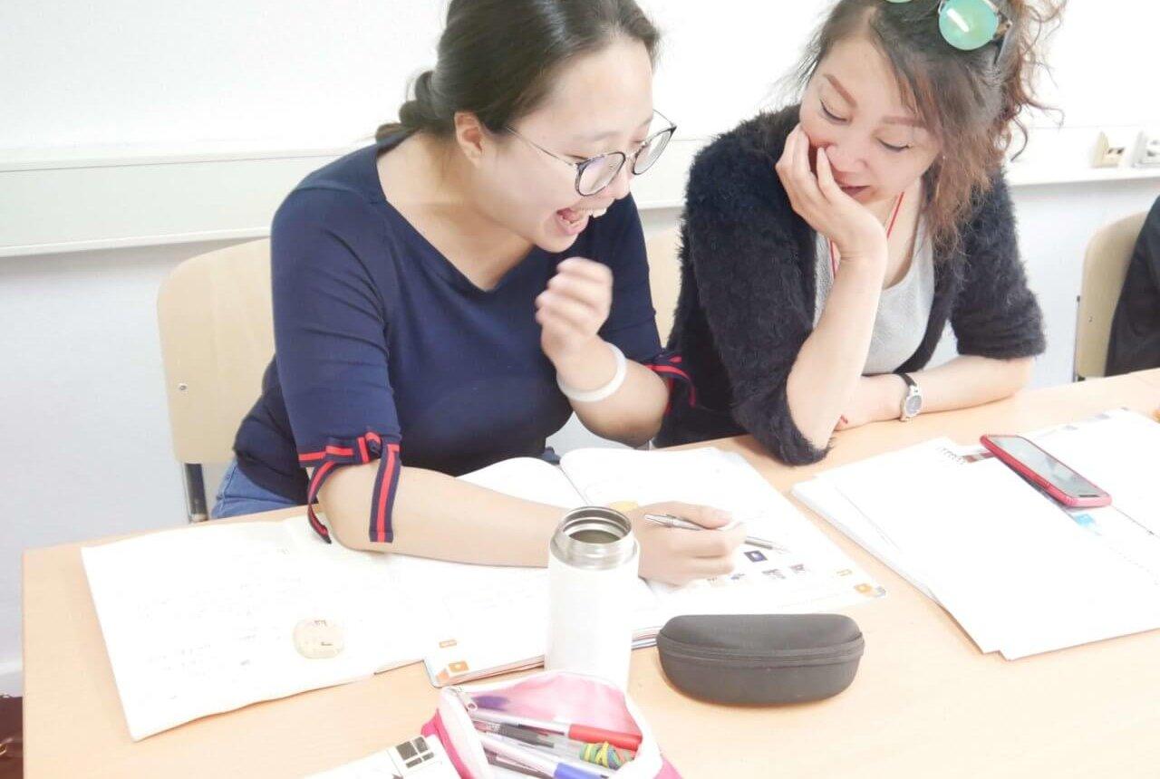 Im Deutschkurs beim HLS Education Center, der TOP Sprachschule Essen.